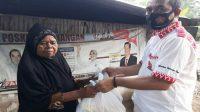 Jelang Idul Fitri, Warga Parimo Terima Ribuan Paket Sembako