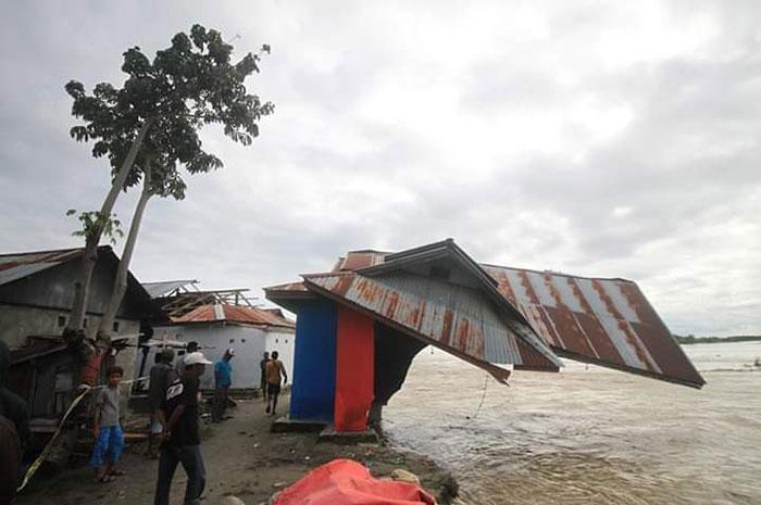 Enam Rumah Hilang Akibat Banjir di Desa Boyantongo Parimo
