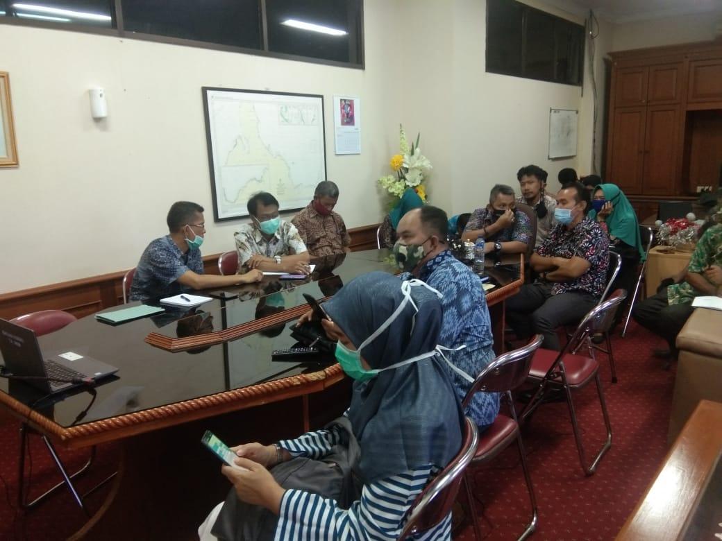 Rapat Evaluasi Reformasi Birokrasi dan Akuntabilitas Kinerja Tahun 2020 di Pimpin Inspektur Inspektorat Moh. Sakti Lasimpala diiukuti Kabag Ortal, Sekretaris Perhubungan serta Dinas PUPRP dan Bappelitbangda